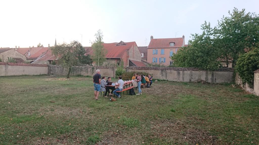 Repas pris en commun à Fénétrange dans le cadre de l'atelier professionnel commandé par le PNR Lorraine — Promo 2019